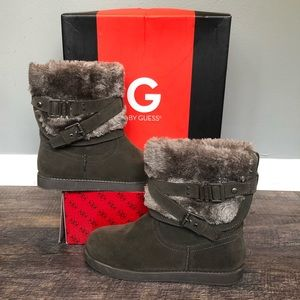 Like New! Guess boots!